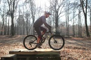 Durchstarten und los pedalieren, entschlossen sein.